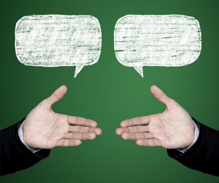 conversaciones: Se reúnen para negociar las condiciones de negocio en una sociedad competitiva.
