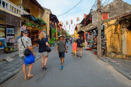 Hoi An, Vietnam: 9 May 2019 - The ancient city is a popular tourist destination. There is a walking market. 新聞圖片
