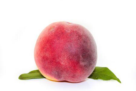 sur fond blanc: Peach sur fond blanc Banque d'images