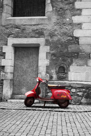Abandoned scooter Stock Photo - 14107931