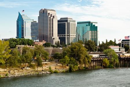 Hochhaus Bürogebäude in der Innenstadt von Sacramento Standard-Bild - 10670450