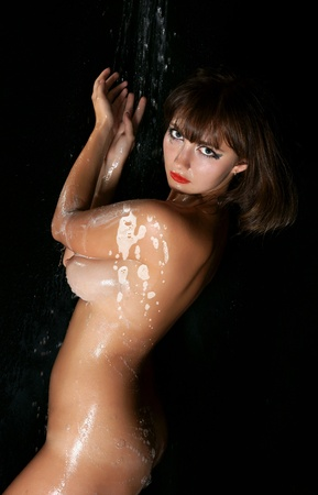 aqua naked: picture of wet naked brunette