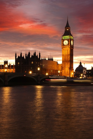 thames: Big Ben in the evening, London, UK