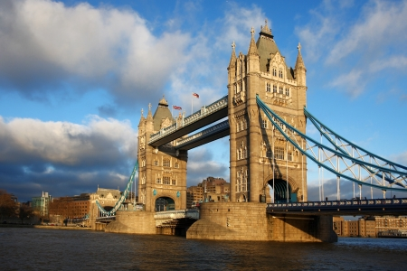 london tower bridge: Famous Tower Bridge, London, UK