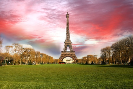 tour eiffel: Spring morning with Eiffel Tower, Paris, France