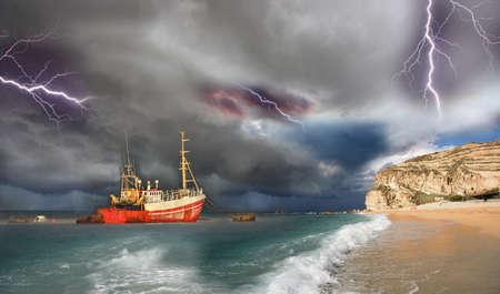 mare agitato: scena della nave e la tempesta