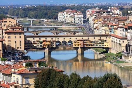 ponte: Famous bridge Ponte Vecchio in Florence, Italy