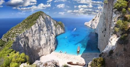 paisaje mediterraneo: Famosos de Europa Beach Navagio en Zakynthos, Grecia, parte de Islas Jónicas Foto de archivo