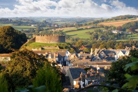 devon: Panorama of Totnes with castle, Devon, England