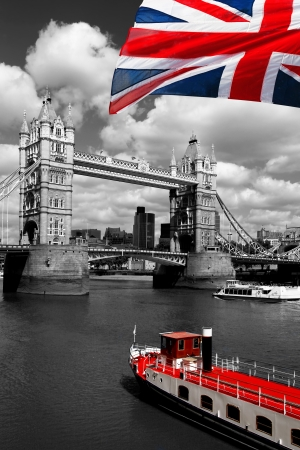 london tower bridge: London Tower Bridge with flag of England