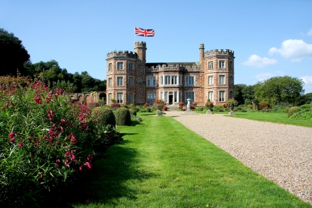 stately home: English Castle, Mount Edgcumbe in Plymouth, Devon