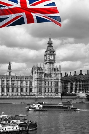 thames: Big Ben with flag of England in London