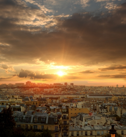 Sunset over Paris in France 版權商用圖片