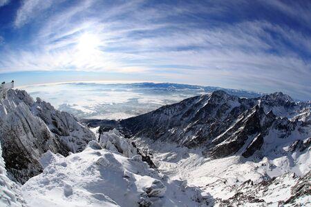 swiss alps: Niesamowity widok na wysokie góry w zimie