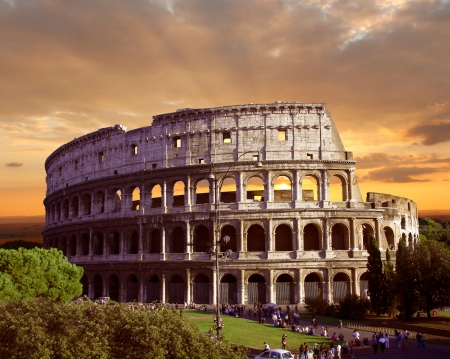 Famous Colosseum in Rom, Italien photo