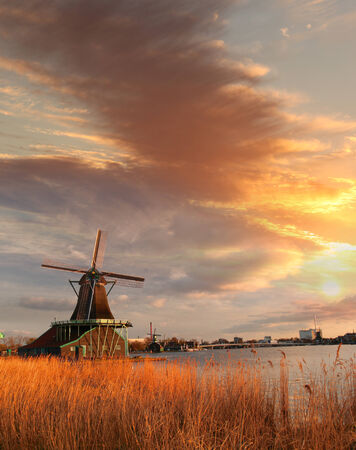 dutch windmill: Traditional Dutch windmills with canal near the Amsterdam, Holland