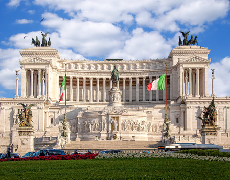 peripteral: Vittoriano building on the Piazza Venezia in Rome, Italy