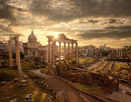 Beroemde Romeinse ruïnes in Rome, hoofdstad van Italië Stockfoto