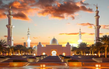 prayer tower: Sheikh Zayed mosque in Abu Dhabi, United Arab Emirates, Middle East