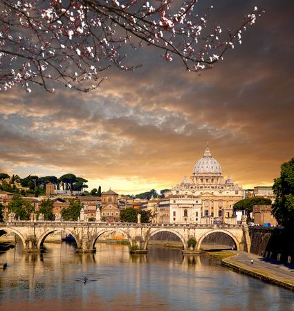 pietro: Basilica di San Pietro during spring time in Vatican, Rome, Italy