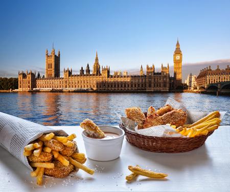 fish and chips: Fish and Chips contra el Big Ben en Londres, Inglaterra