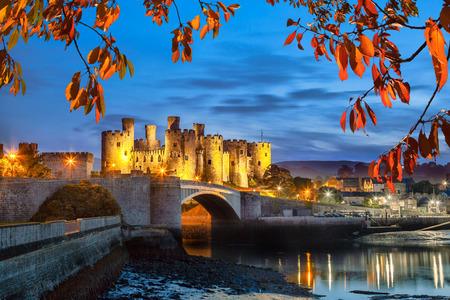 ウェールズ、イギリスのお城の Walesh シリーズで有名なコンウィ城 写真素材