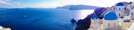 Panorama of Oia village on Santorini island in Greece Standard-Bild