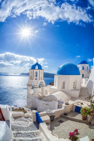ギリシャのサントリーニ島のオイア村