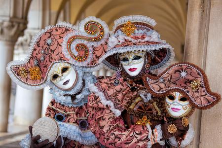 maschere di carnevale stupefacenti a Venezia, Italia