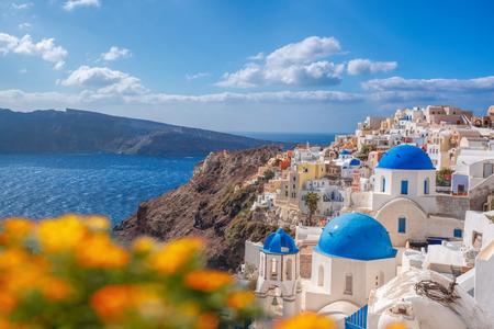 Sun flower: Oia Dorf in Santorini Island, Griechenland