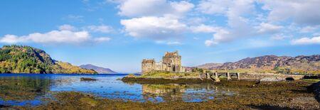 loch: Panorama of Eilean Donan Castle in Highlands of Scotland