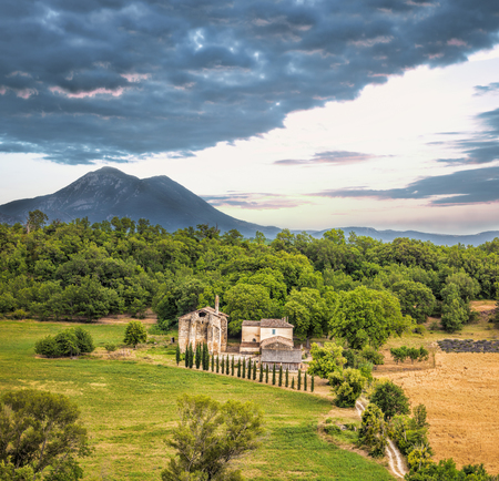 lavendin: Lonely villa in heart of Provence, France Editorial