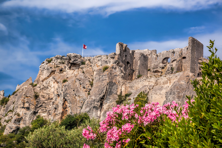 Les Baux-de-Provence, castle in Provence, France 版權商用圖片 - 82122976