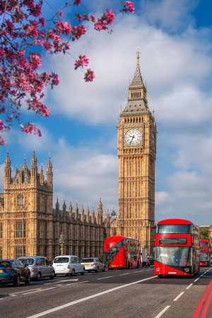 Big Ben with bus during spring time in London, England, UK Archivio Fotografico
