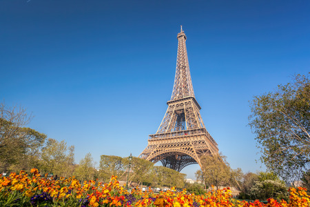 Eiffel Tower during spring time in Paris, France 版權商用圖片
