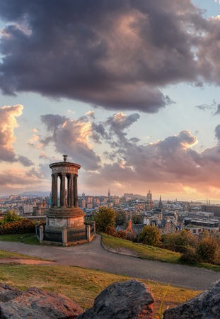 Panorama of Edinburgh against sunset with Calton Hill and castle in Scotland Reklamní fotografie - 120171298