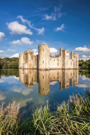 Historic Bodiam Castle in East Sussex, England Reklamní fotografie - 128467330