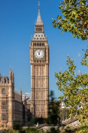 Big Ben and Houses of Parliament in London, England, UK Stockfoto - 129564977