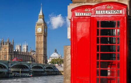London symbols with BIG BEN, DOUBLE DECKER BUSES and Red Phone Booths in England, UK 版權商用圖片