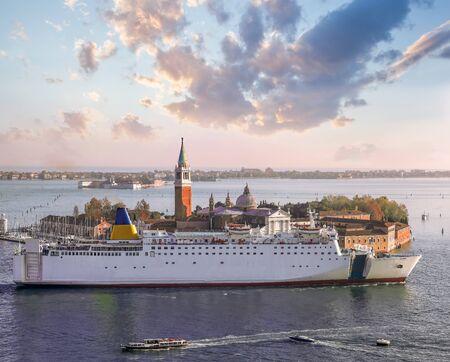 San Giorgo island against giant ship in Venice, Italy Zdjęcie Seryjne