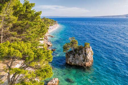 Famous Punta Rata beach with little island in Brela, Dalmatia, Croatia Reklamní fotografie