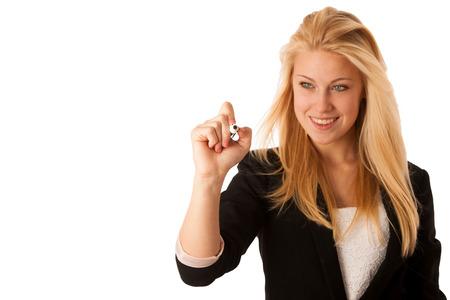 blonde vrouw met blauwe ogen, schrijft op een glazen tafel met marker presenteren bussiness kansen
