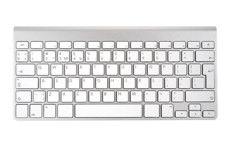 teclado de computadora: Aluminio teclado del ordenador aislado en fondo blanco