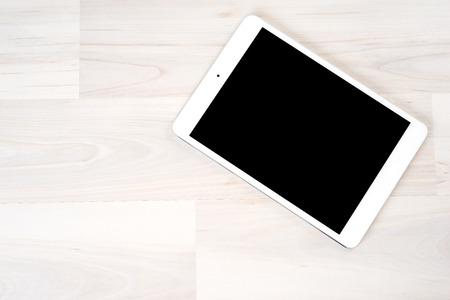 tableta: Digitální tablet na stole
