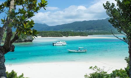 沖縄の熱帯のラグーン ビーチ パラダイス 写真素材