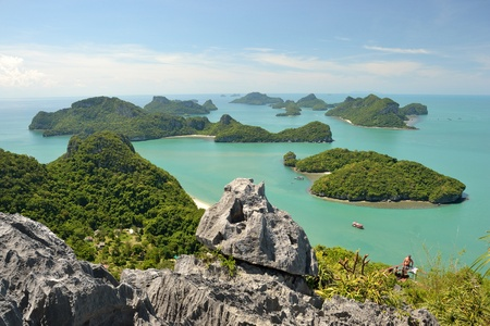 angthong: Angthong national marine park koh samui Thadland trip in nice sky day.