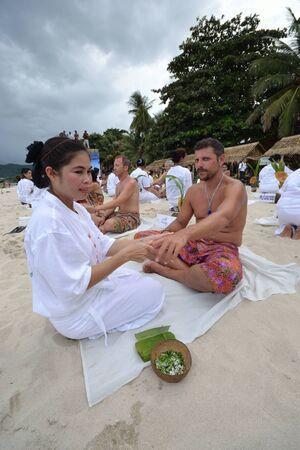 world record: KO SAMUI, THAILAND - AUGUST 25: World record of Thailand spa at ko samui  on August 25,2011  in Ko Samui island, Thailand. There are 250 therapist simultaneous massages for world record. Editorial
