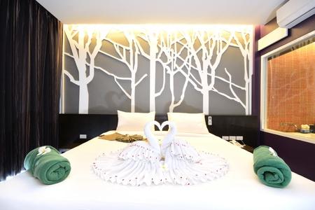 Dormitorios interiores de lujo de diseño de estilo de vida moderno. Foto de archivo - 13422608