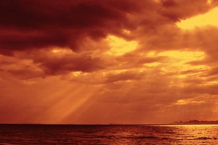 Amazing sun beams over the ocean. Stock Photo - 15568620