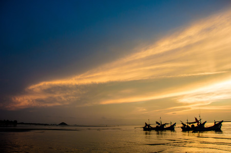 Sunset seascape of ko samui thailand. Stock Photo - 24486279